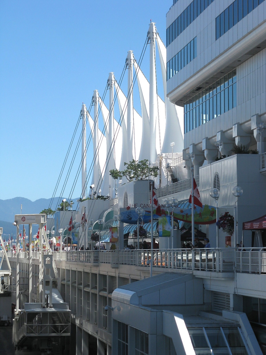 A view of the five sails and the promenade on the pier