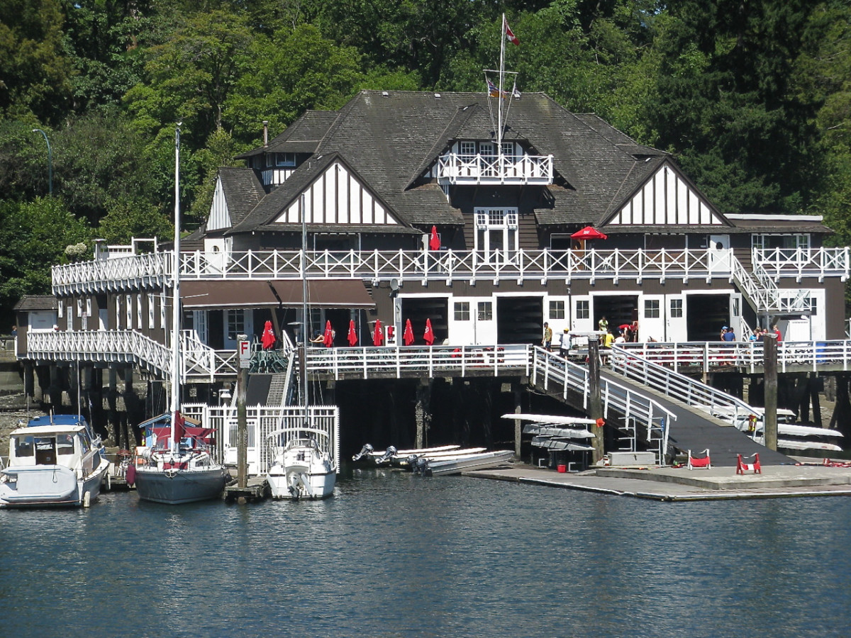 Royal Vancouver Yacht Club near the entrance to Stanley Park