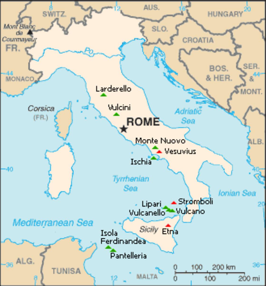Italy's volcanoes:  Green is dormant, red is active.