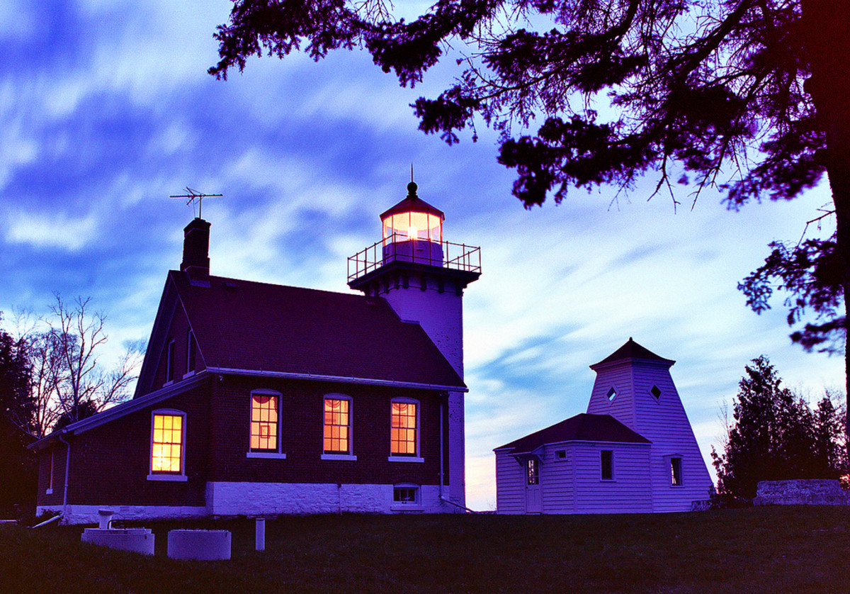 Door County lighthouse at dusk