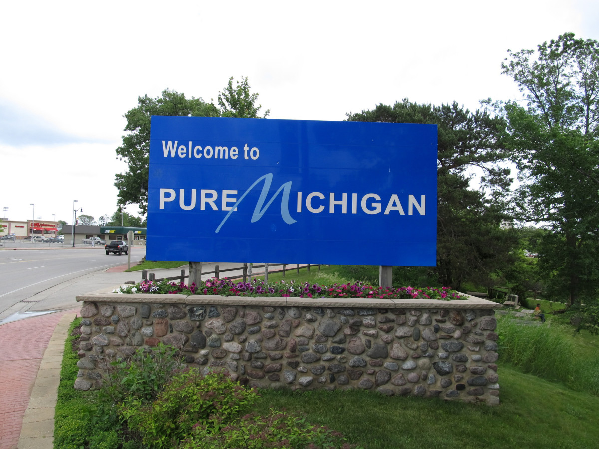 Welcome to Michigan sign near Menominee, Michgian