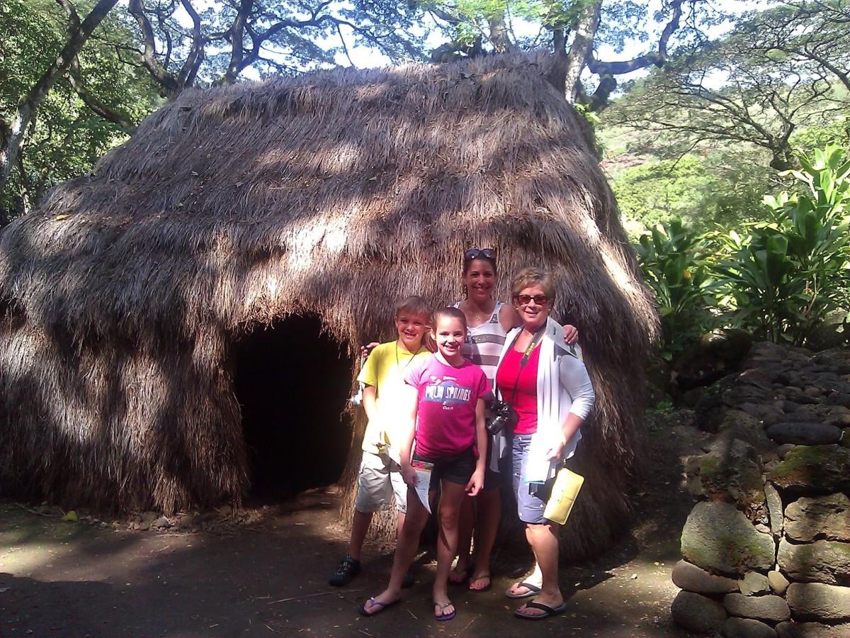 Along the botanical garden walk to Waimea Falls