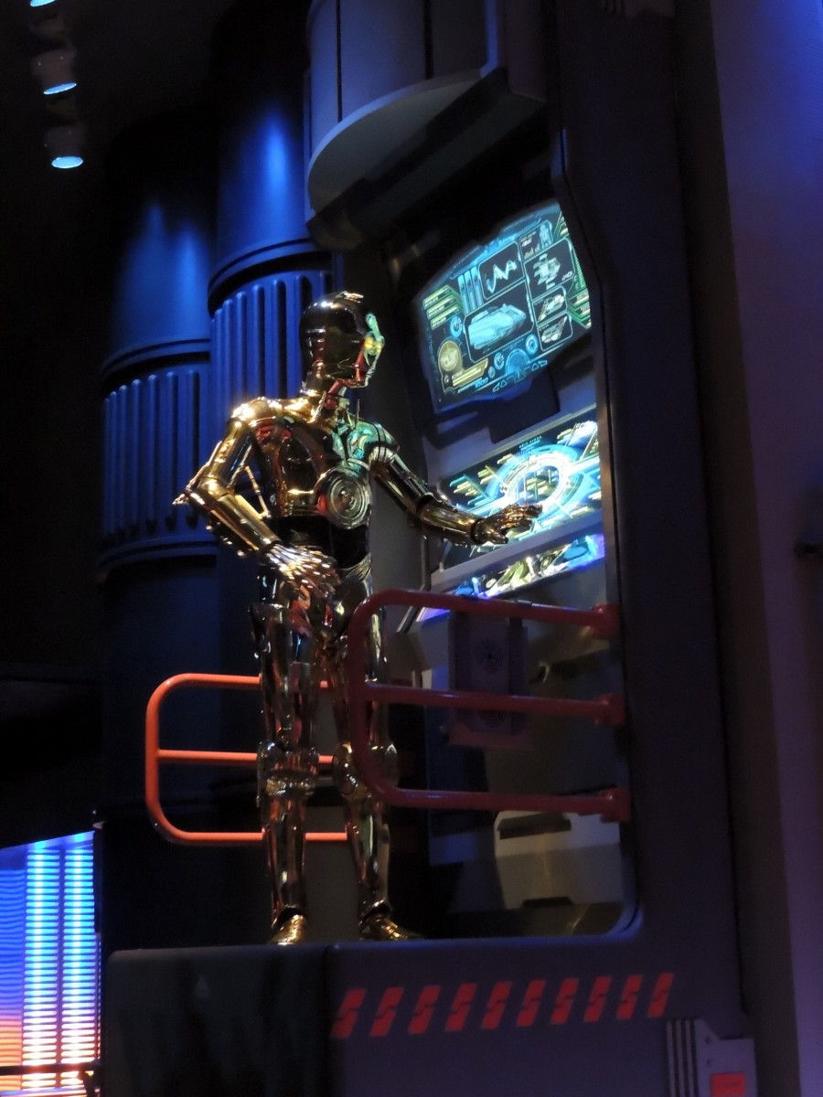 C3PO located on the way into the Star Tours Ride at Hollywood Studios