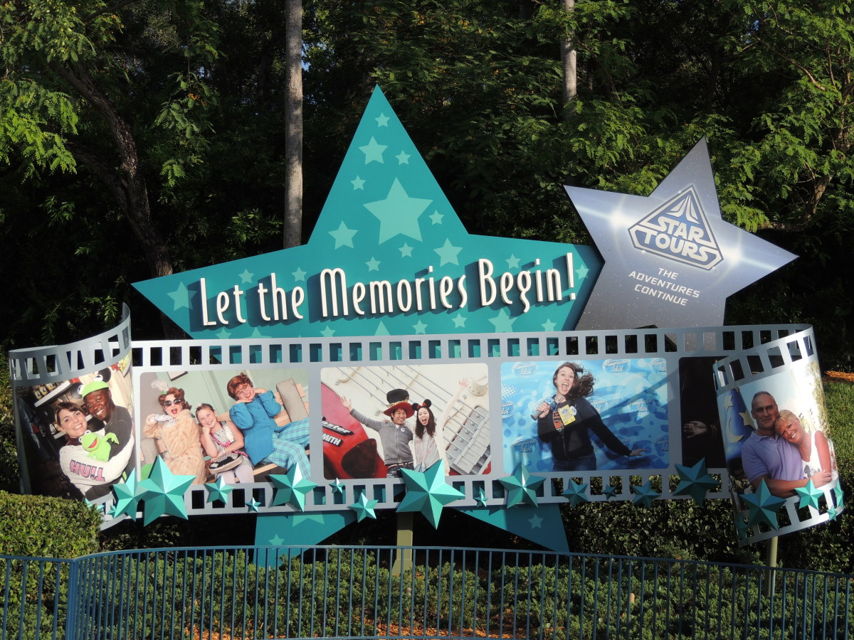 Sign outside of Hollywood Studios