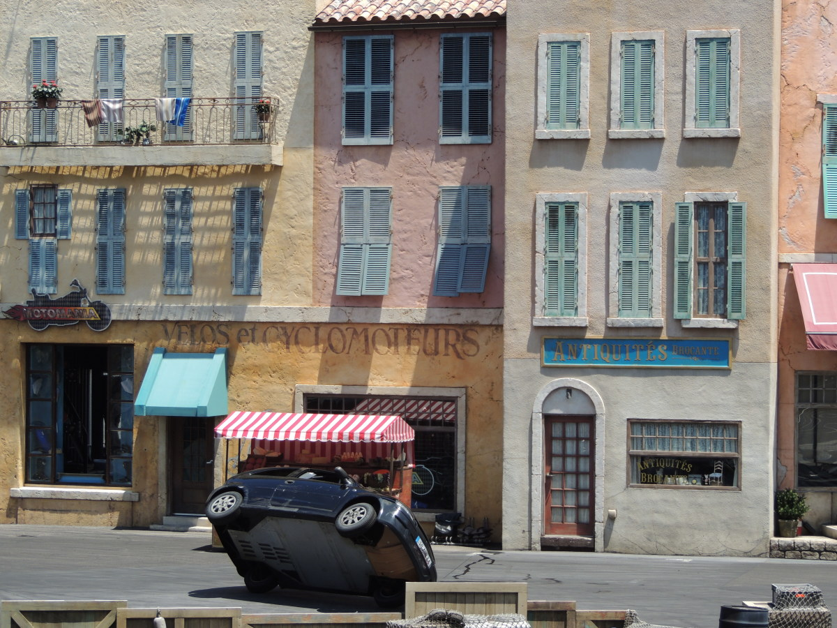 Car on two wheels during the stunt show