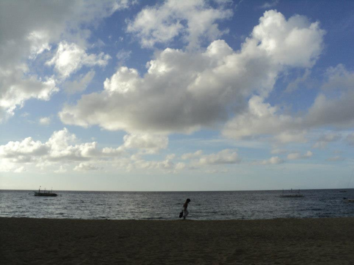 A late afternoon photo of Laiya sea