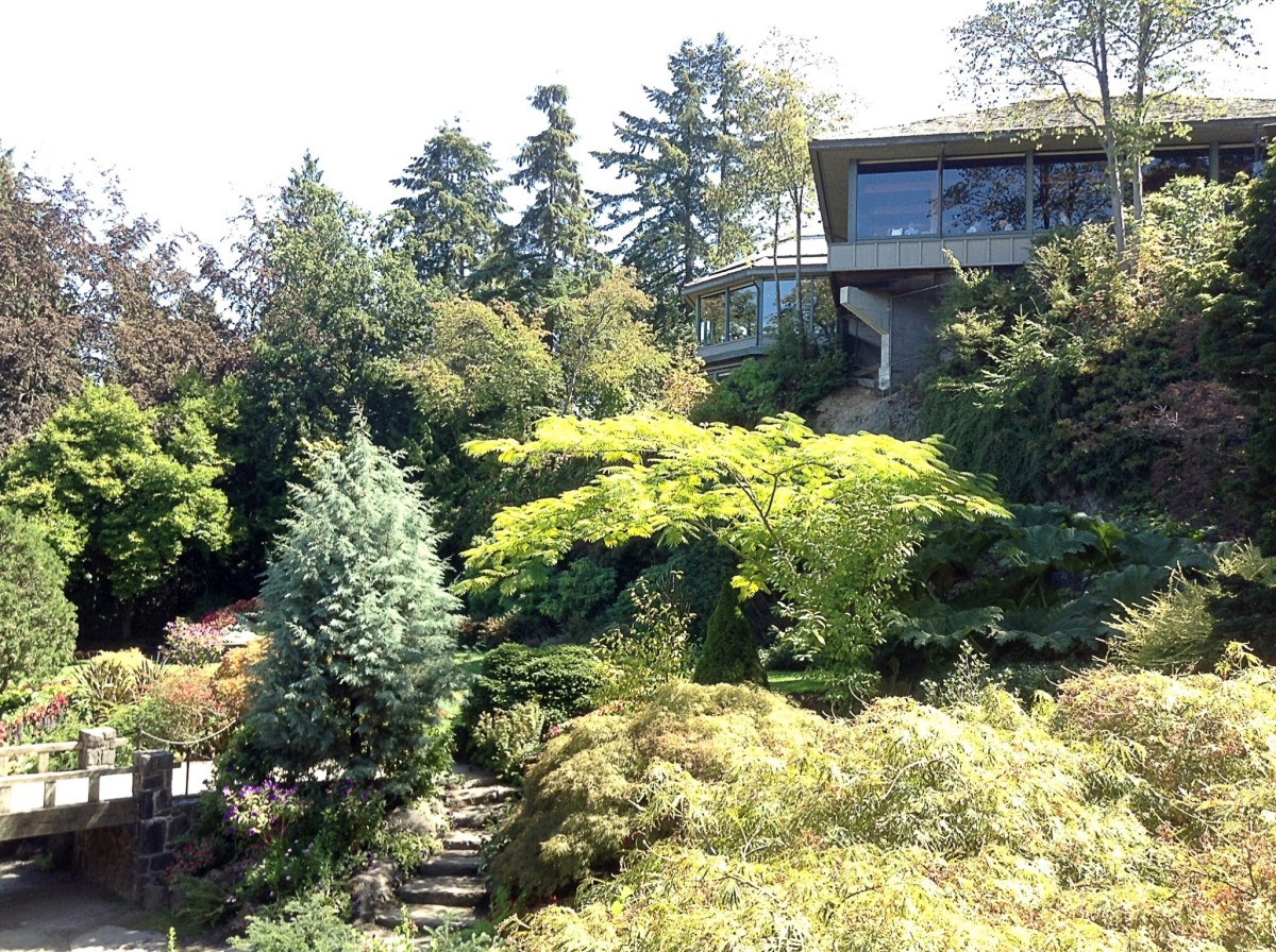 The Seasons in the Park restaurant overlooks the smaller quarry garden.