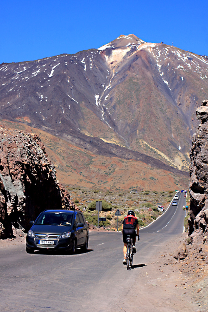 Among the possible ways of getting to Teide are the comfort of a car or the strenuous exercise of a bicycle - I chose a car