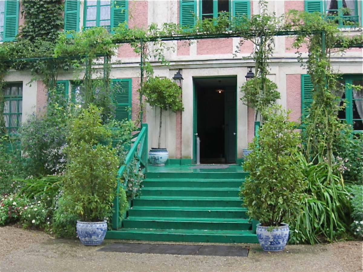 Main entrance to Monet's House