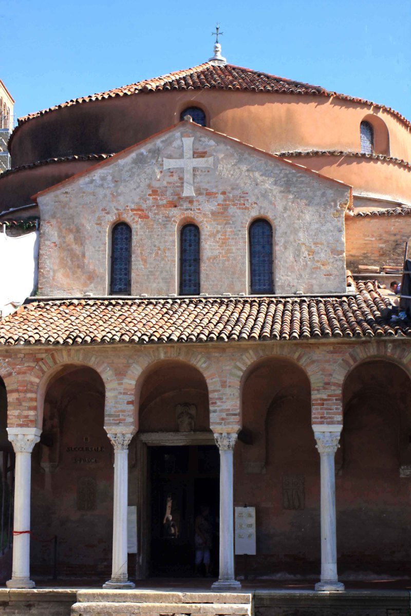 The very distinctive 11th century Church of Santa Fosca on Torcello is free to enter (unlike the Cathedral or the museum)
