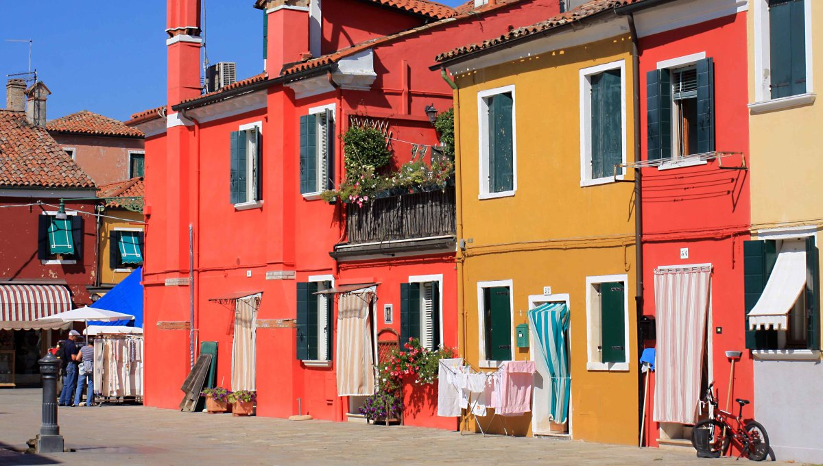 Nobody can visit Burano and not smile when they see the houses