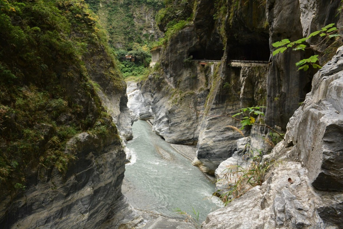 Are you brave enough to drive the Taroko Gorge Road?