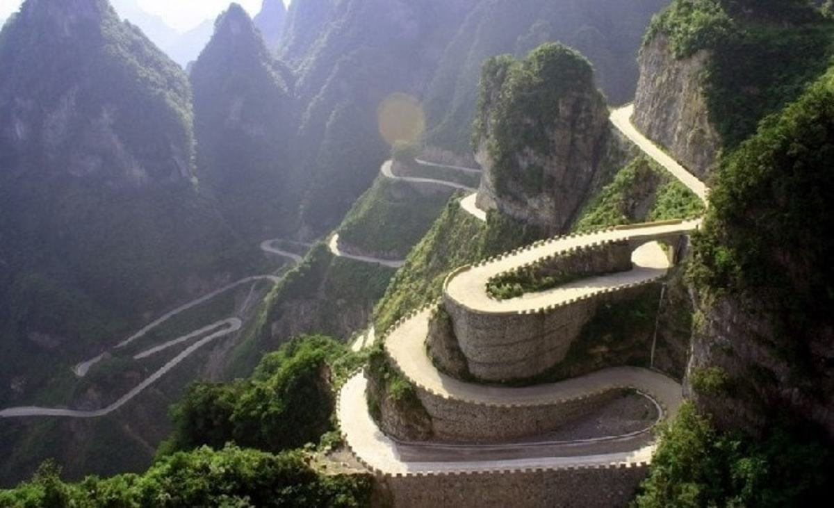 99-Bend Road, China