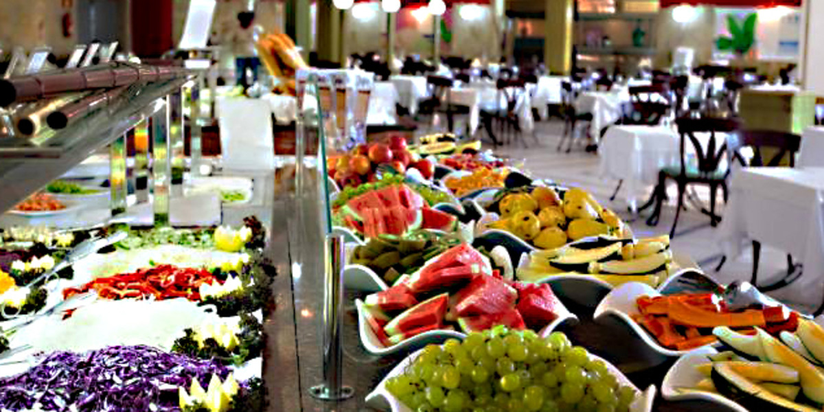 The restaurant buffet at Suites & Villas Resort