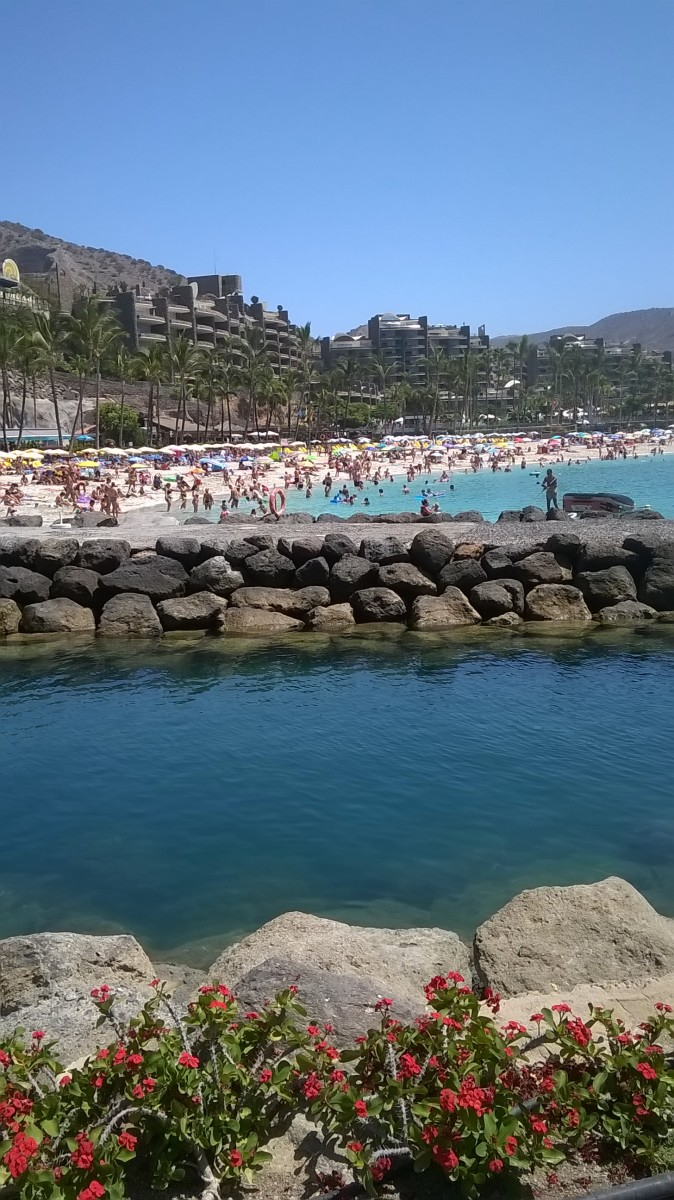 Safe bathing and prestigious harbours all along a vast extent of the Gran Canarian coastline.