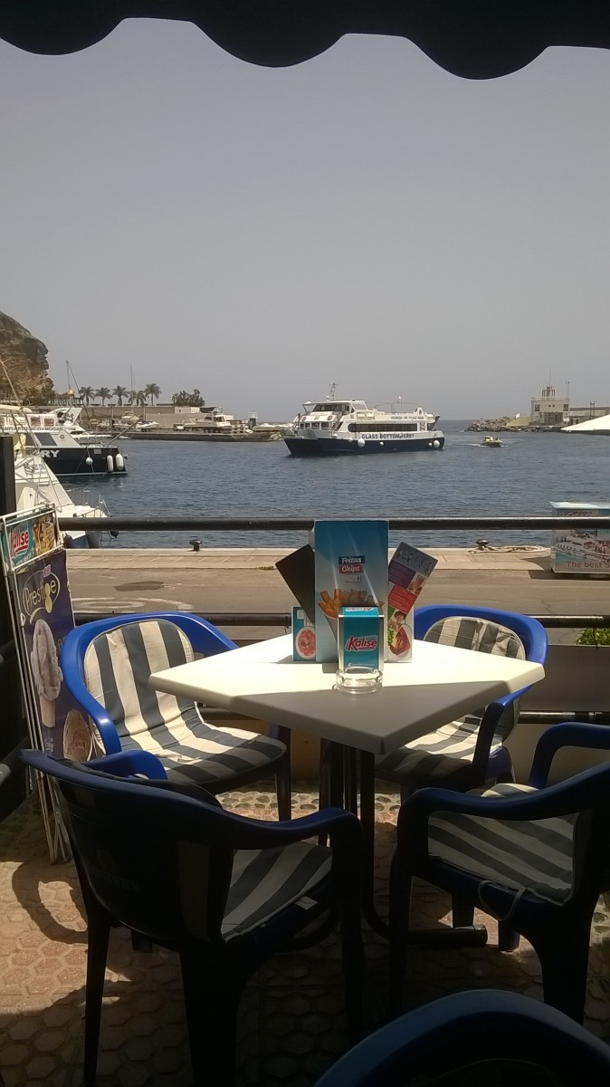 Watch the ferry boats at your leisure. There is one every hour so no rush!
