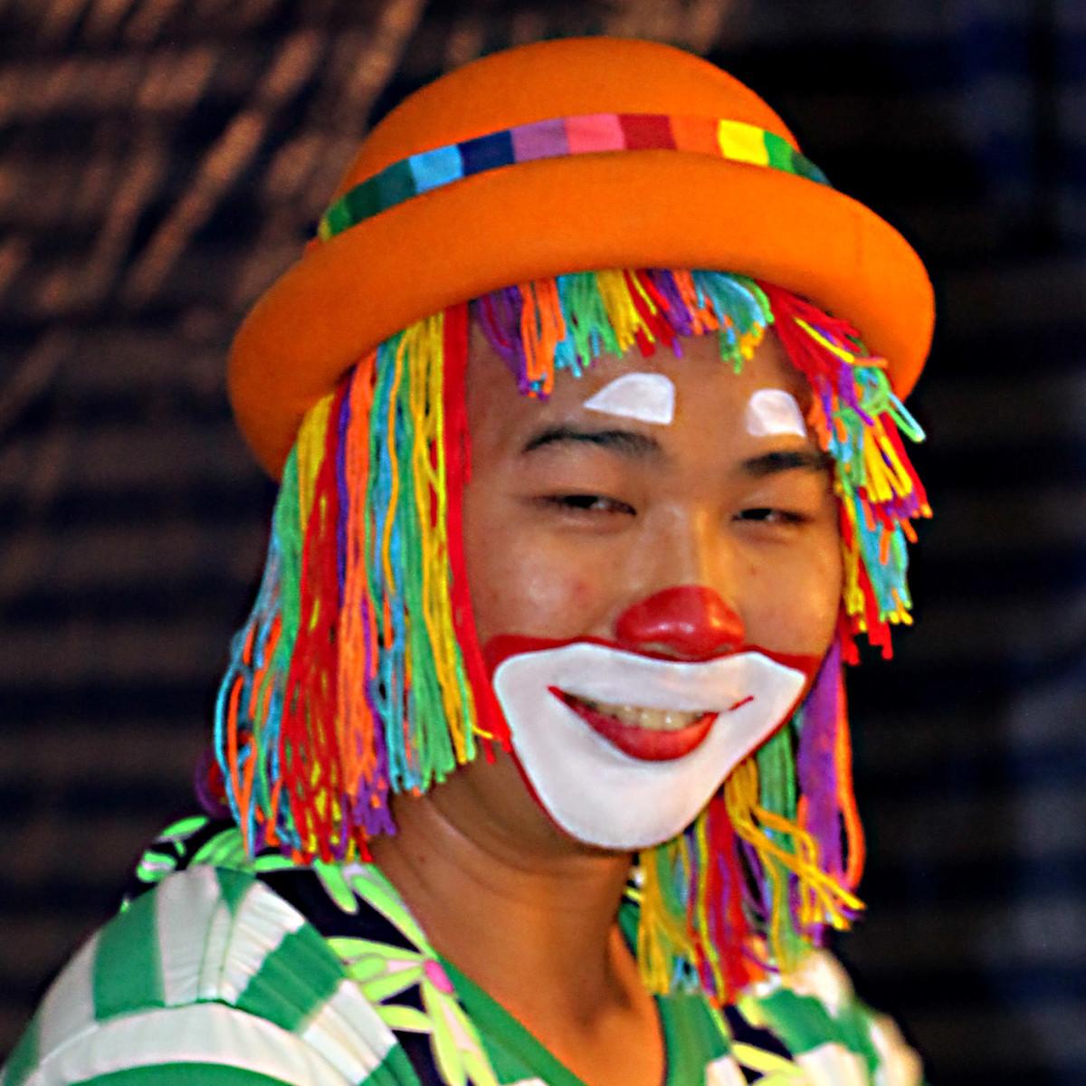 A street entertainer at Asiatique