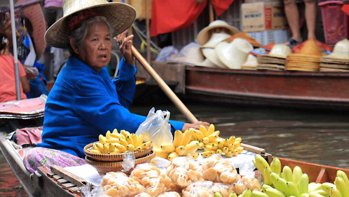 The floating market - once a traditional market form in Thailand, but now very much operated for the benefit of the tourist trade. Nonetheless, they are worth seeing as an illustration of how Thais once lived in the vicinity of Bangkok