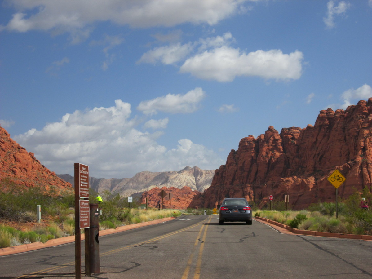 Appraoching Snow Canyon State Park from the south entrance.