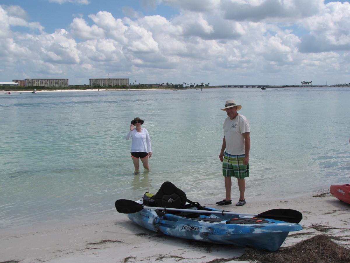 Pulling the kayaks up on Caladesi Island.