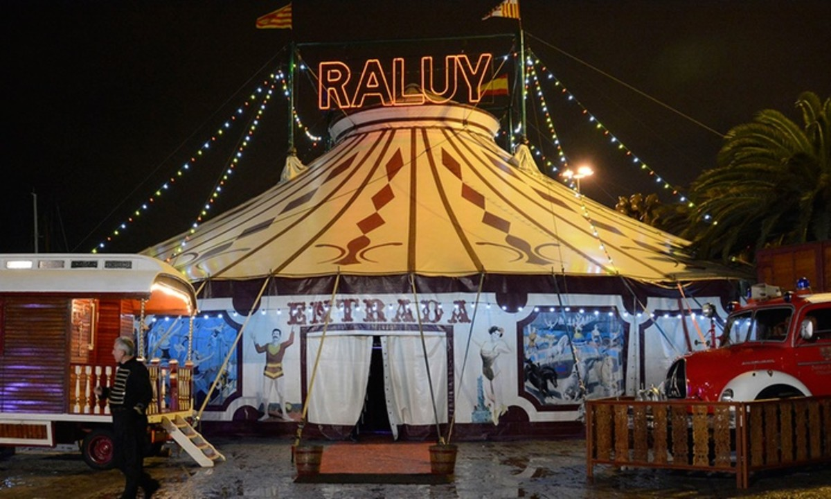 Cirque Raluy: Spain