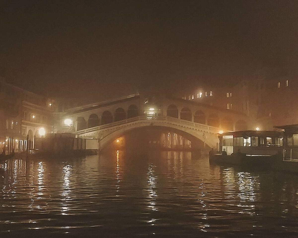 Far from the madding crowds: the Rialto Bridge is a different animal on a winter's night