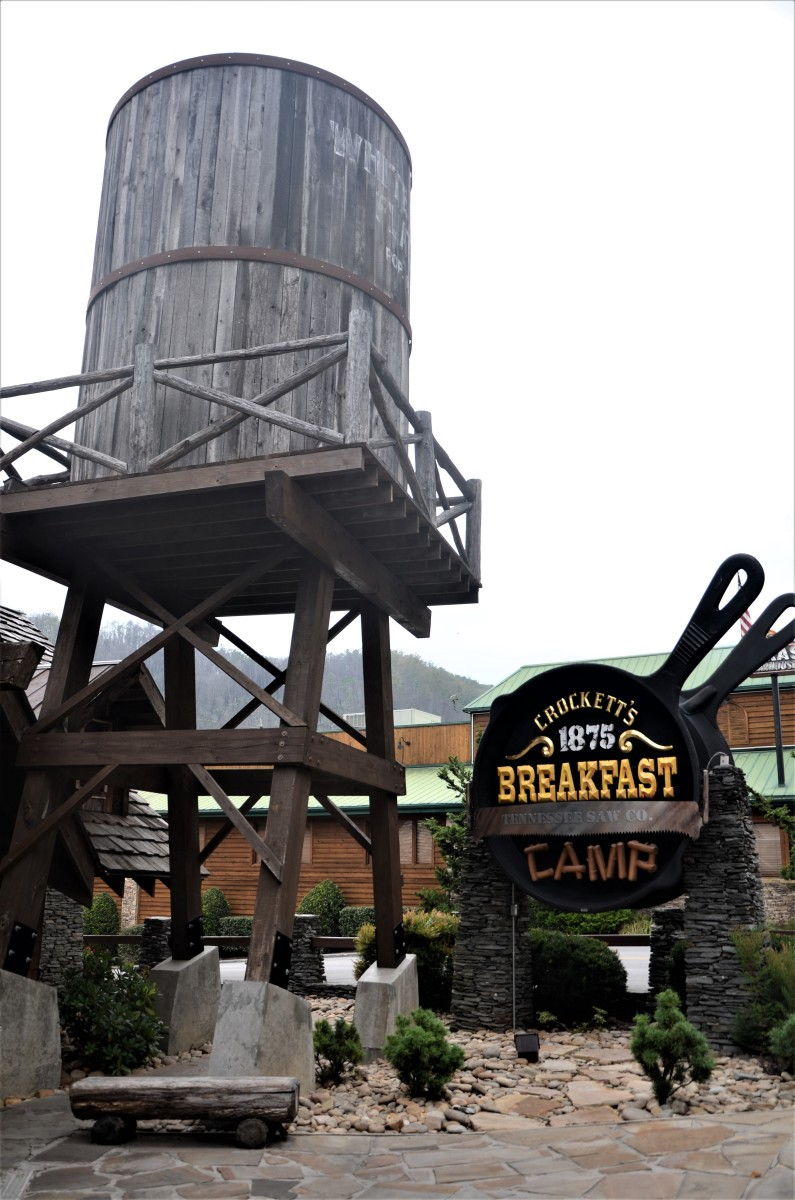 Entrance to Crockett's 1875 Breakfast Camp