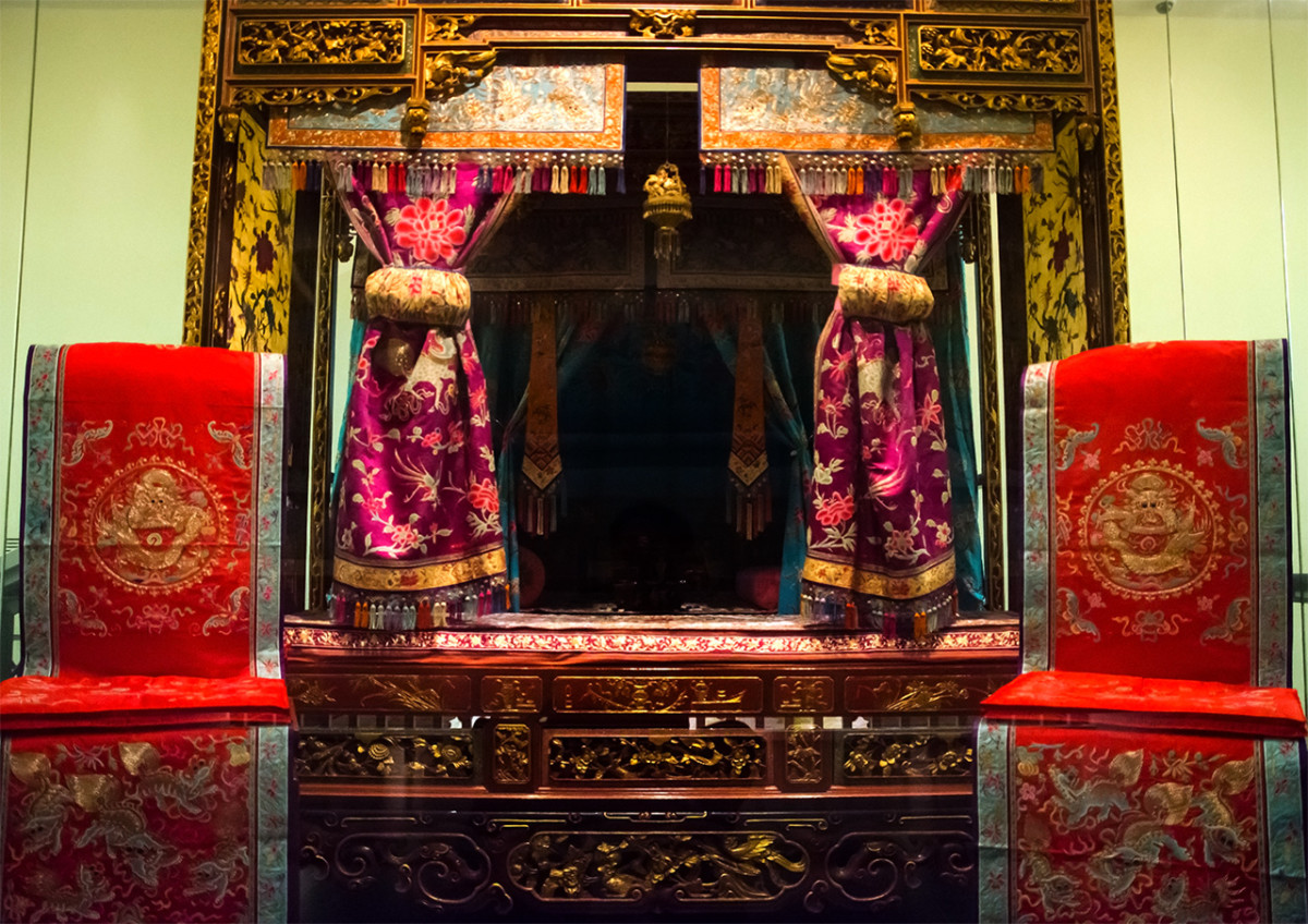 Wedding Chamber. As is obvious, despite adopting various aspects of Southeast Asian culture, the Peranakans remained distinctively Chinese.