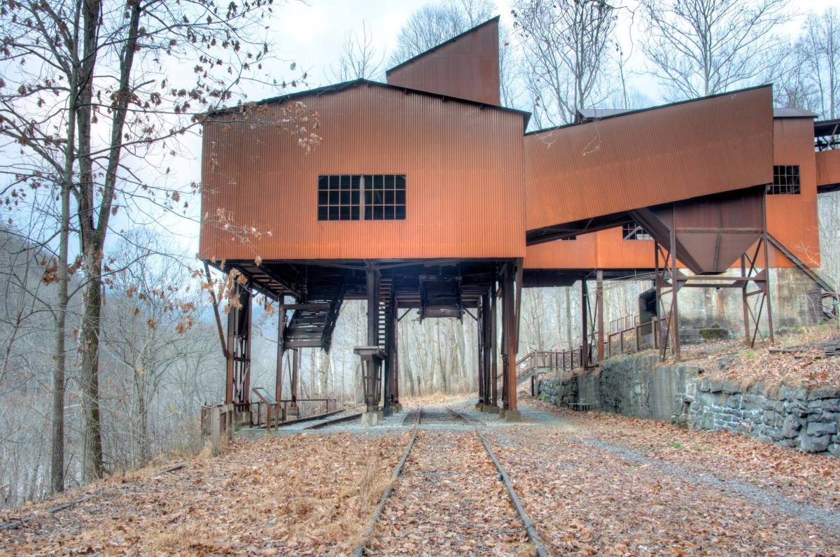 A short hike along a gravel road allows hikers to explore the Nuttall Coal Mine headhouse.