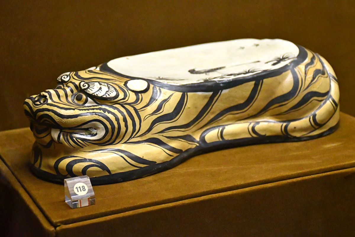 Another elaborate ceramic pillow. These were donated to the museum by a couple from Hong Kong.