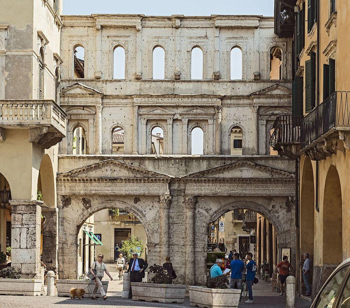 Porta dei Borsari (Verona)