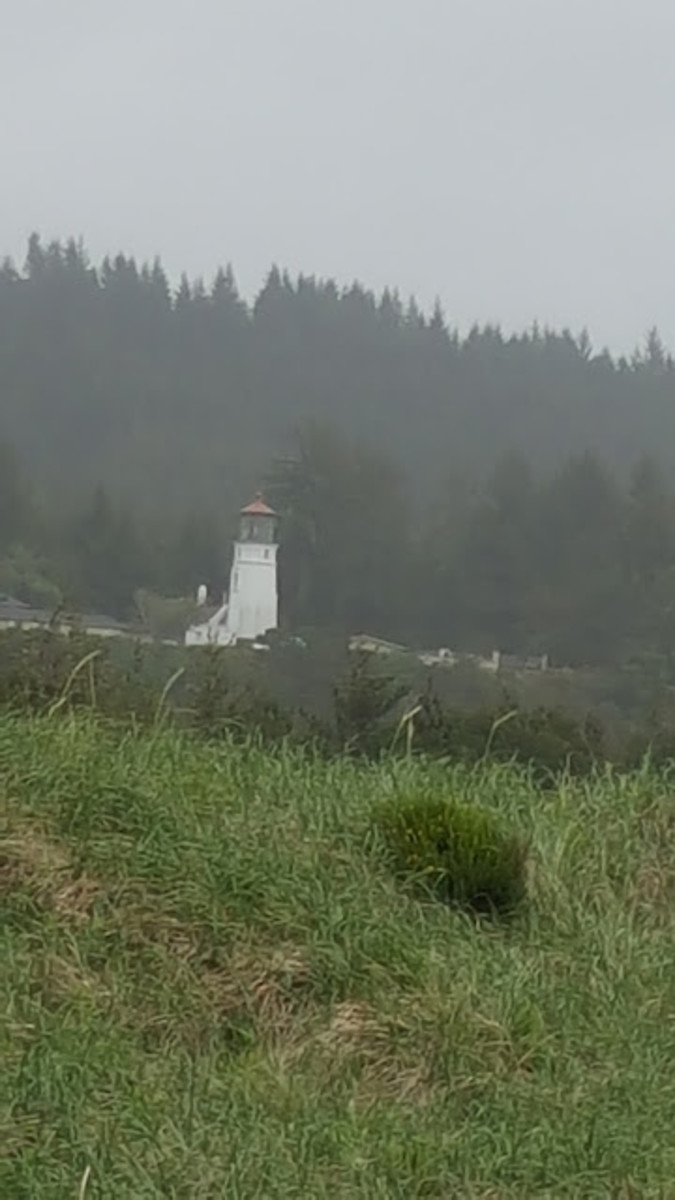 The Umpqua Lighthouse guards the entrance to Winchester Bay.  It is open to the public for tours.