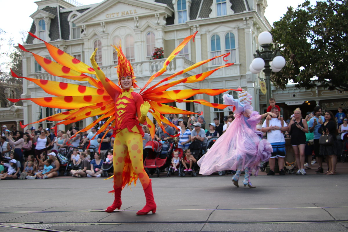 Parades offer spectacular entertainment, and also offer a spectacular opportunity to get on rides while the masses are distracted by the festivities!