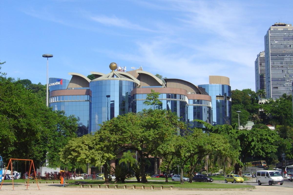 Contemporary office buildings in Botafogo.