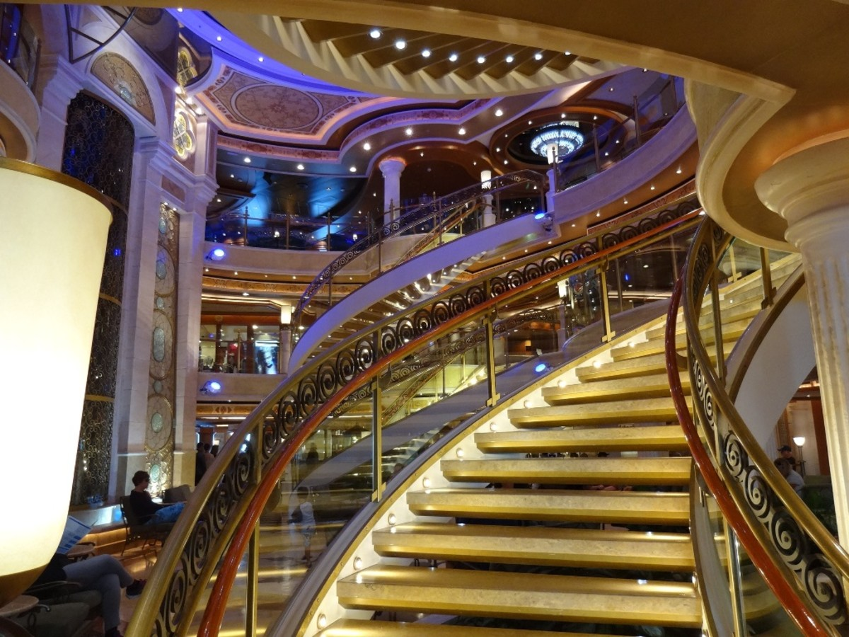 The Promenade Deck was beautiful in all its glitz and glamour. That's where a lot of the shops were found.