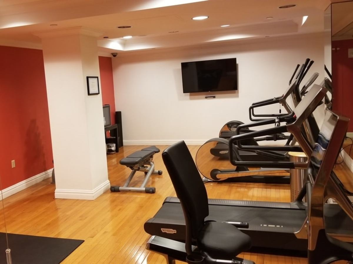 A small fitness center is located below ground level and is available for guests to use.