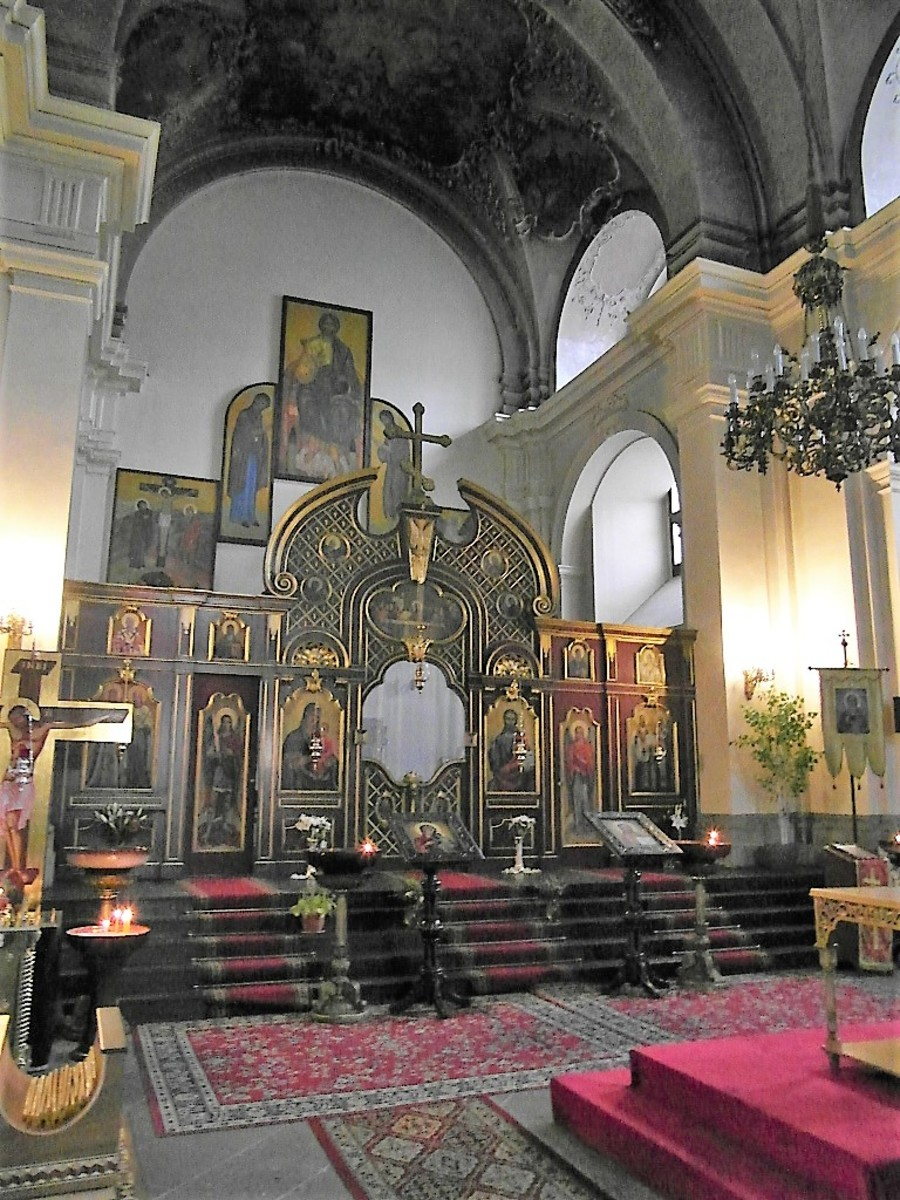 The Orthodox interior.
