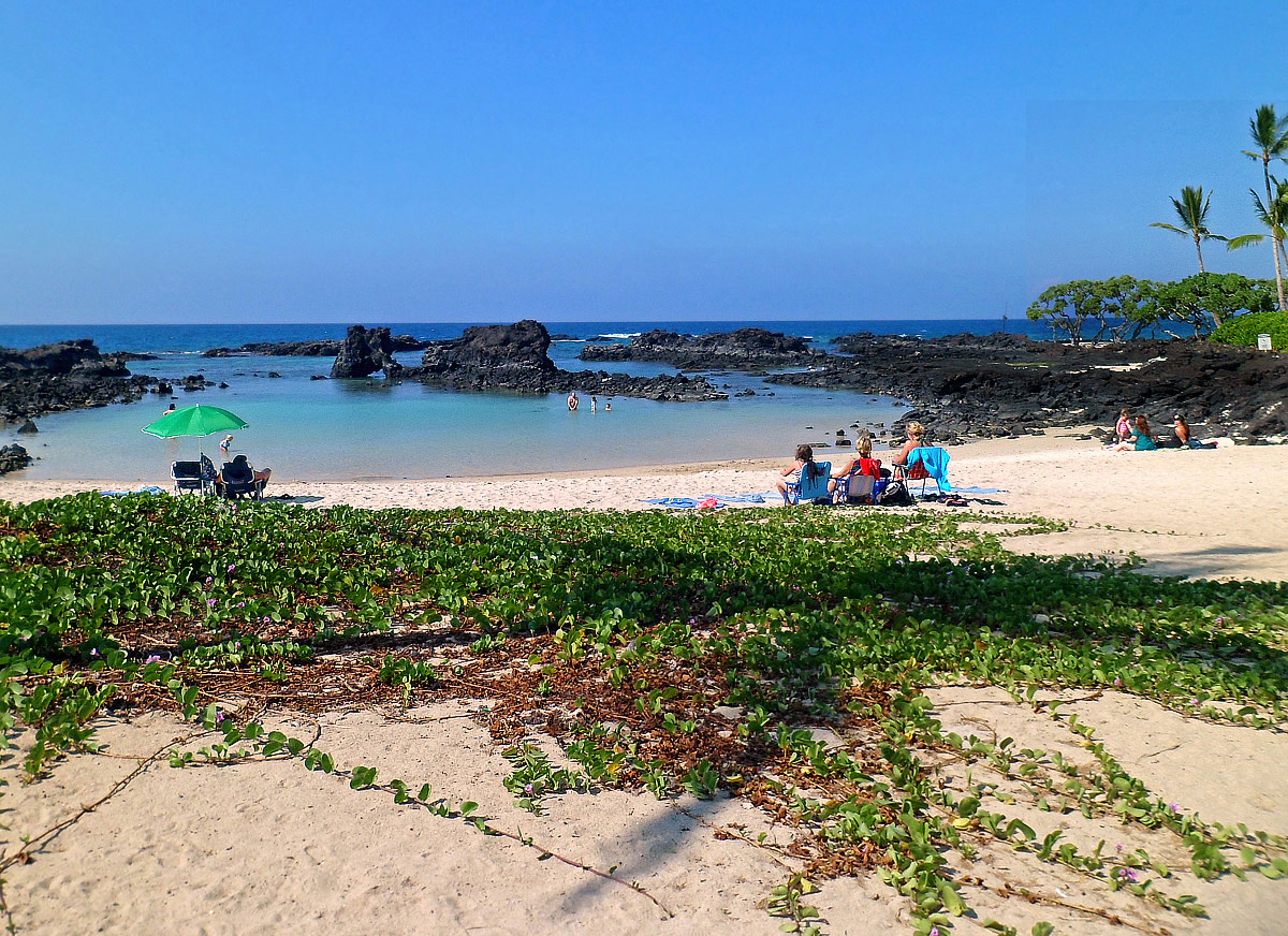 The sheltered lagoon at Kuki'o Beach.