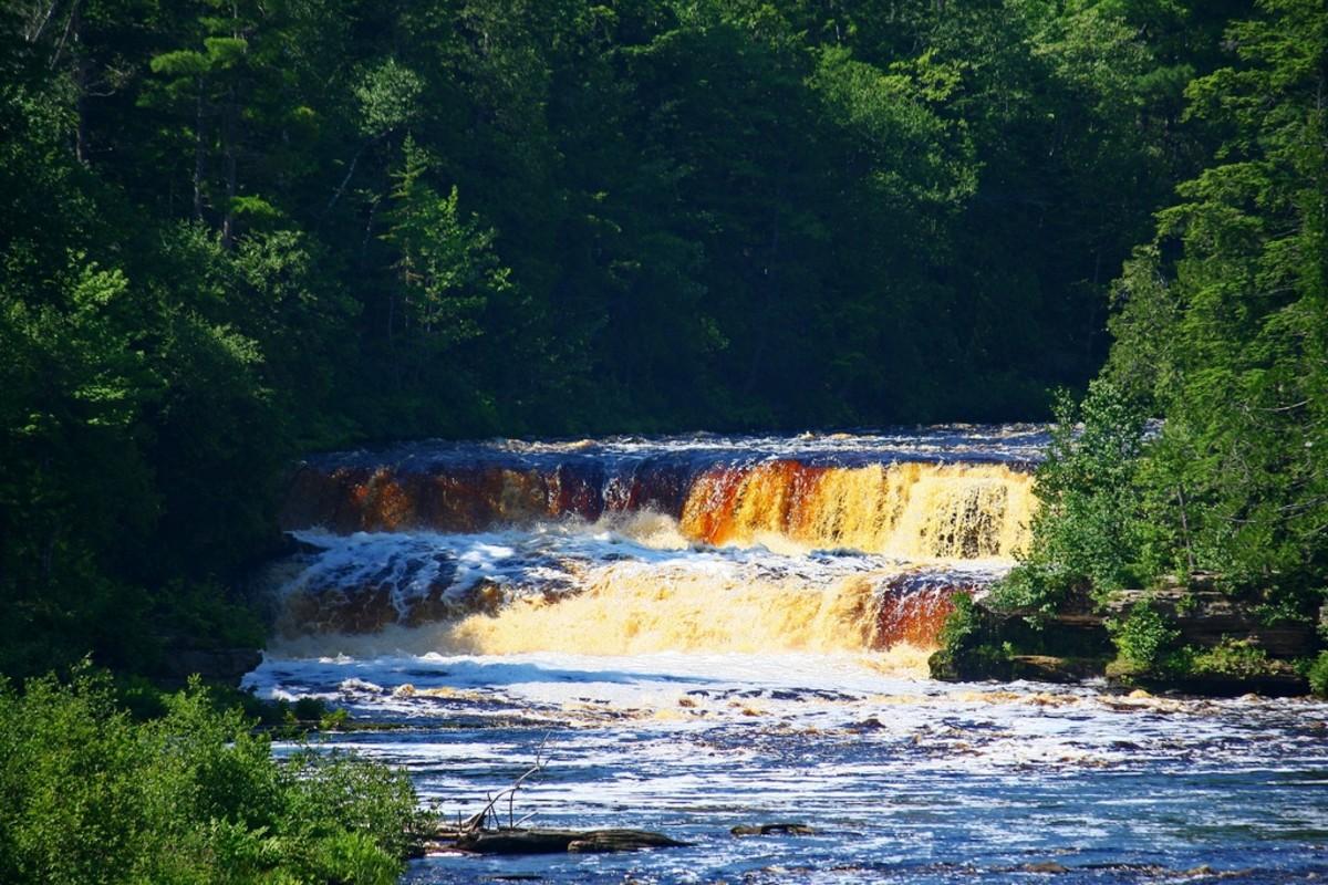Lower Tahquamenon Falls on the Tahquamenon River is impressive as well.