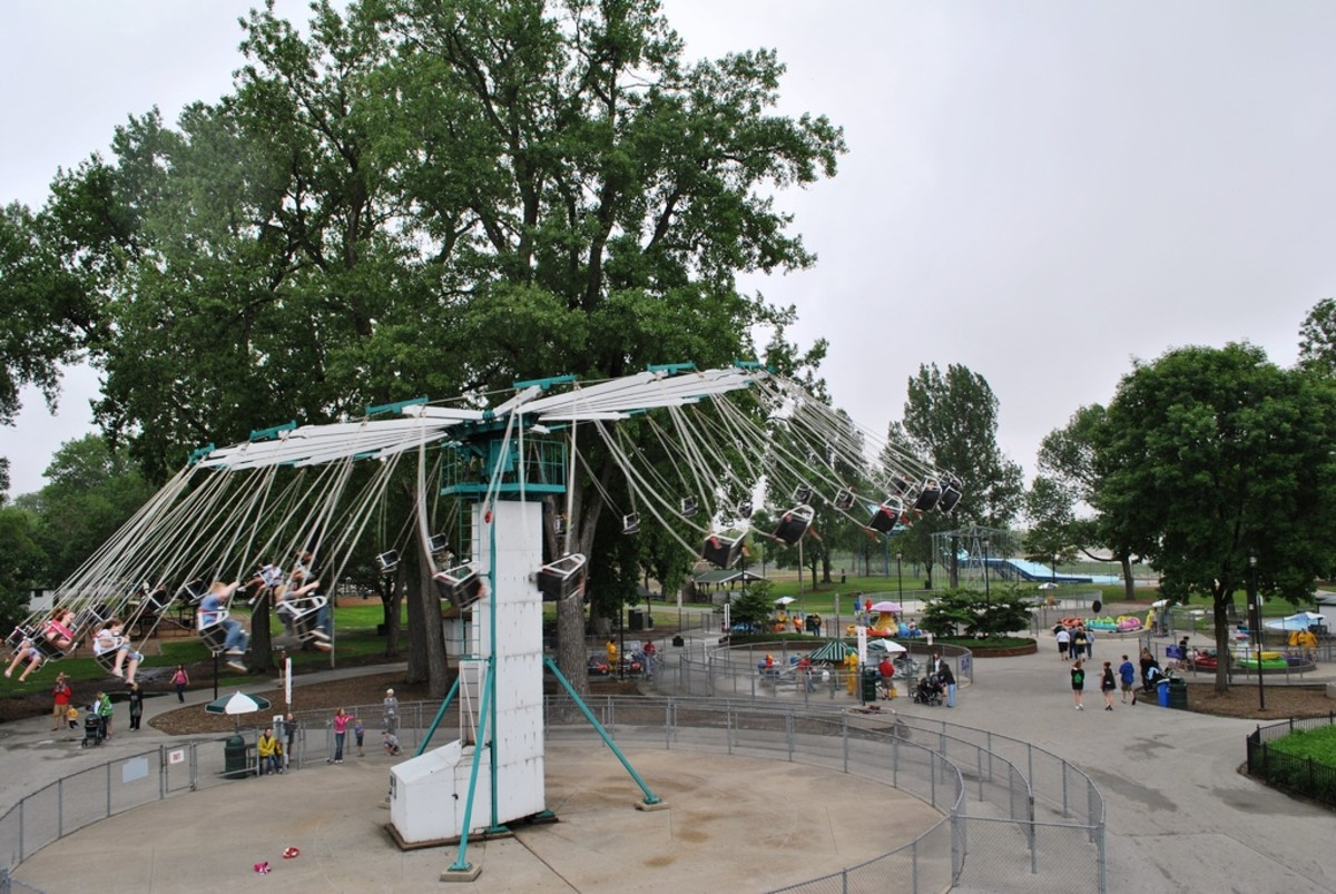 Chair Swing Ride at Bay Beach Amusement Park - Green Bay, Wisconsin