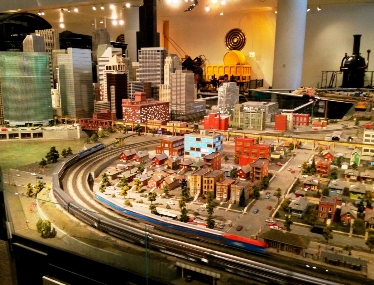 "HO-gauge model trail layout inspired by BNSF's ""Empire Builder"" route from Seattle to Chicago at the Museum of Science and Industry in Chicago, Illinois"