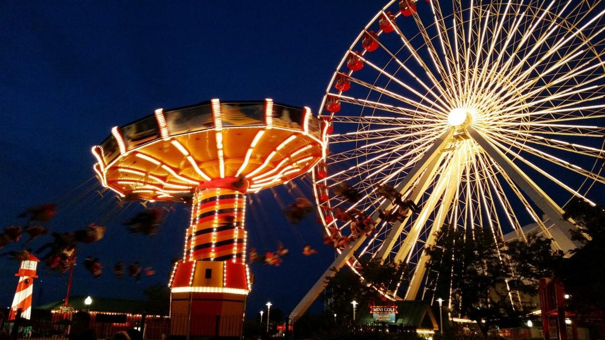 Navy Pier Amusement Park in Chicago, Illinois