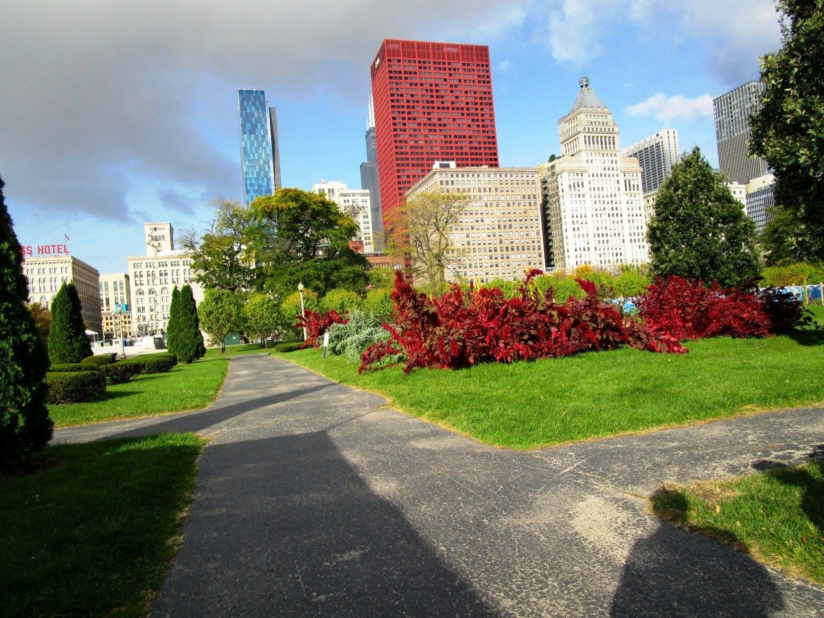 Walking through Grant Park in Chicago, Illinois