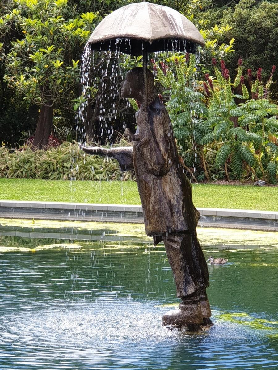 A statue in the St Kilda Gardens (c) A. Harrison