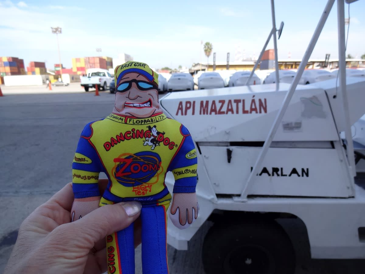 Speedy disembarked at the Port of Mazatlán and rode the shuttle to the walking tour.