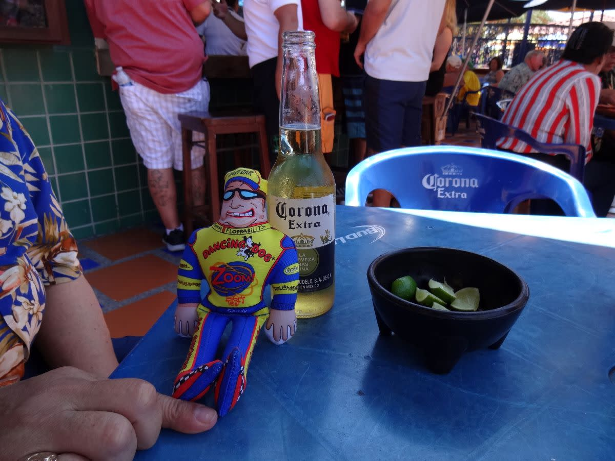 Speedy took time for a cold one at The Green Bar after a hot afternoon of walking and shopping.