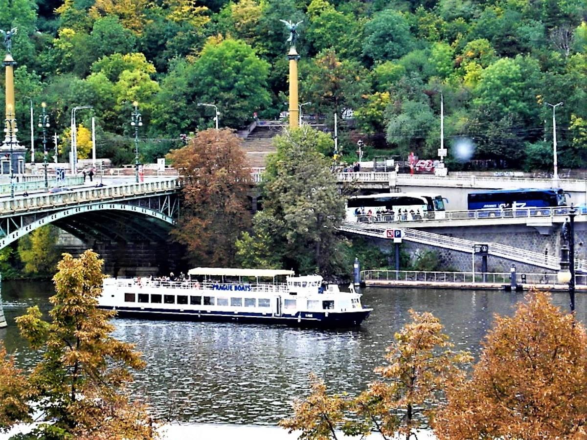 Cechuv Most.