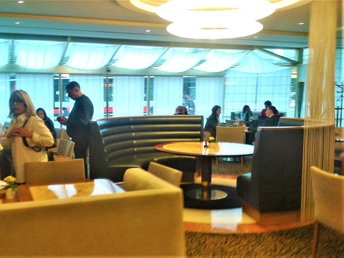 The café area.