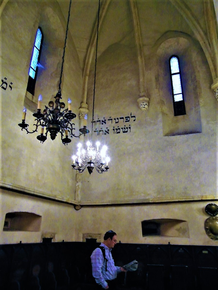 Inside the Old-New Synagogue.