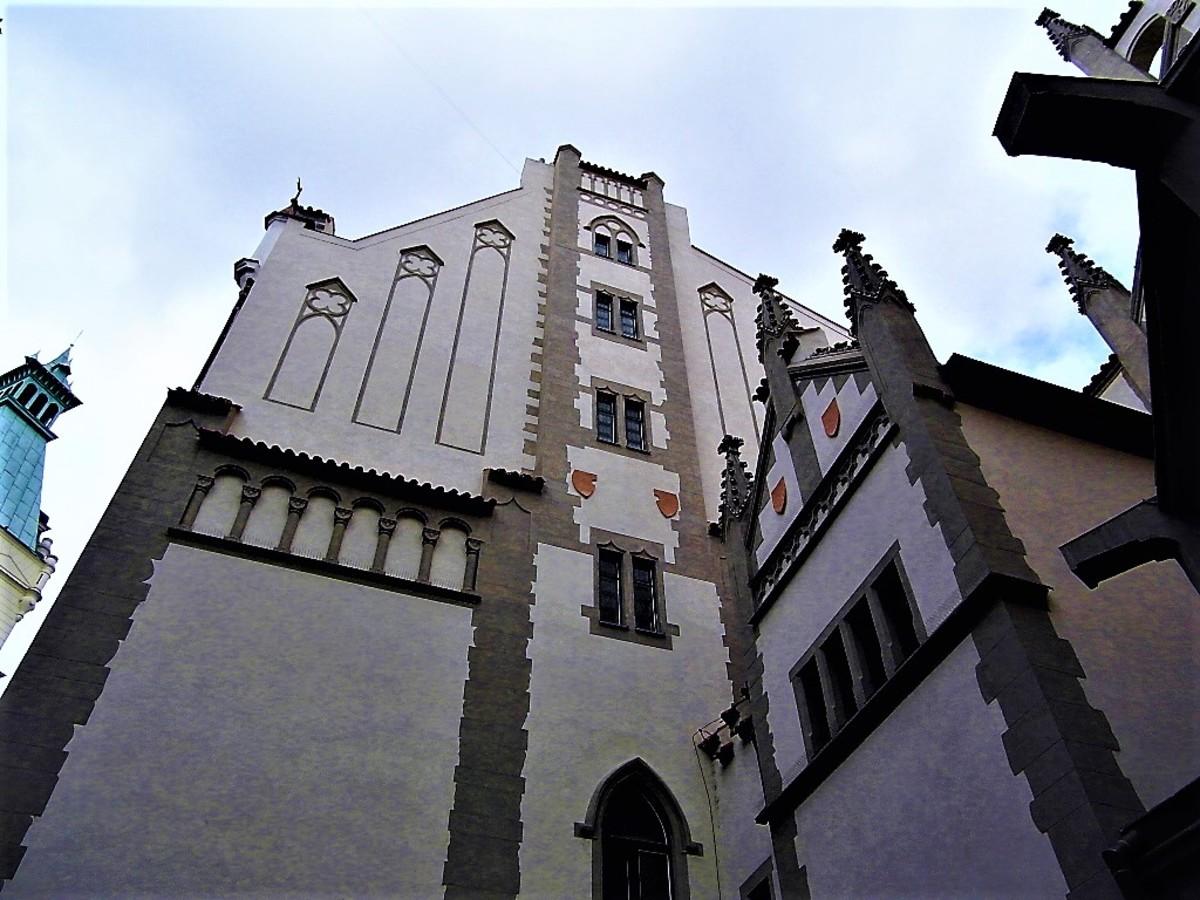 Maisel Synagogue exterior.